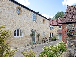 Nice Cottage with Internet Access and Washing Machine - Milborne Port vacation rentals