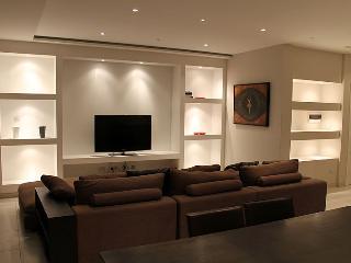 Modern 3 Bedroom A/C Side Seawiew Apt FREE Wifi L4 - Sliema vacation rentals