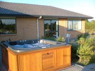Beautiful 1 bedroom Matamata Bed and Breakfast with Internet Access - Matamata vacation rentals