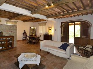 Bright 7 bedroom Rapolano Terme House with Deck - Rapolano Terme vacation rentals