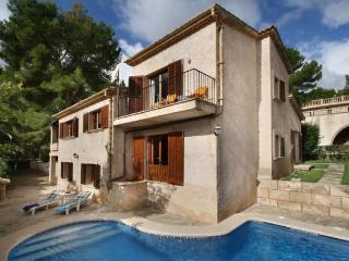 Beautiful 4 bedroom Cala San Vincente Villa with Internet Access - Cala San Vincente vacation rentals
