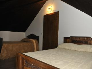 Cantinho Ti Carlos - Chaves vacation rentals