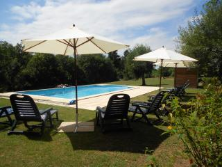 La Maison de Rebeyrat with pool. - Piegut-Pluviers vacation rentals