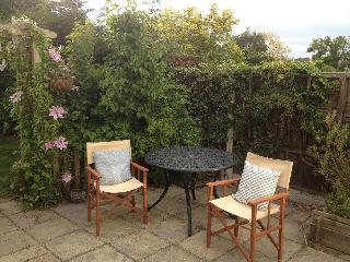 3 bedroom Cottage with Outdoor Dining Area in Leigh-on Sea - Leigh-on Sea vacation rentals