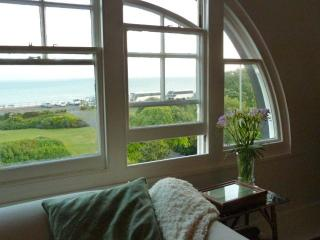 Cozy Apartment in Hastings with Television, sleeps 6 - Hastings vacation rentals