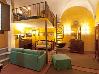 Florence Gold Suite: Delightful, exclusive apartment in the centre of Florence - Florence vacation rentals