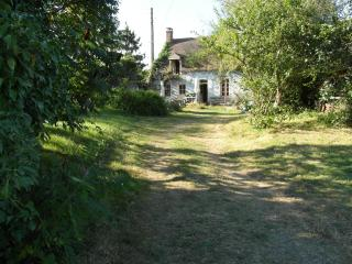 Cozy 3 bedroom Gite in Courdemanche - Courdemanche vacation rentals