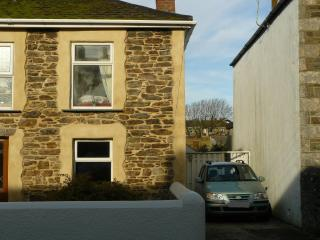 Cozy 2 bedroom Cottage in Porthleven with Internet Access - Porthleven vacation rentals
