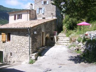 2 bedroom Gite with Parking in Die - Die vacation rentals