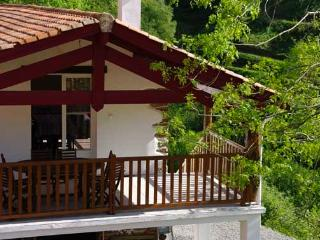 Nice Gite with Internet Access and Satellite Or Cable TV - Arneguy vacation rentals