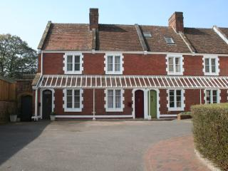 stylish central exeter maisonette - Exeter vacation rentals