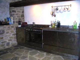 Perfect House with Internet Access and Dishwasher - Pontremoli vacation rentals