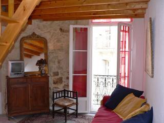 CANTATE Studio Mezzanine 1 à 4 - Montpellier vacation rentals
