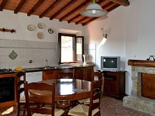 Nice 2 bedroom Molino del Piano House with Deck - Molino del Piano vacation rentals