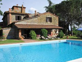 Nice 6 bedroom Farmhouse Barn in Terranuova Bracciolini - Terranuova Bracciolini vacation rentals