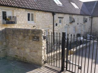 Beautiful 2 bedroom Batheaston House with Internet Access - Batheaston vacation rentals