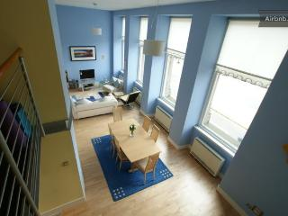 Luxury Glasgow 2BR Apartment - Glasgow vacation rentals