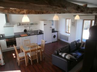 Charming 1 bedroom Cottage in Pontrieux - Pontrieux vacation rentals