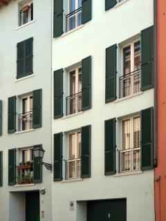 Nice Condo with Internet Access and Dishwasher - Brescia vacation rentals