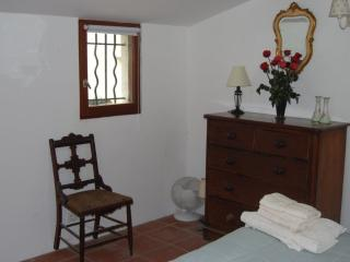 1 bedroom Gite with Internet Access in Clermont L'herault - Clermont L'herault vacation rentals