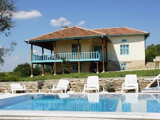2 bedroom Villa with Internet Access in Targovishte - Targovishte vacation rentals