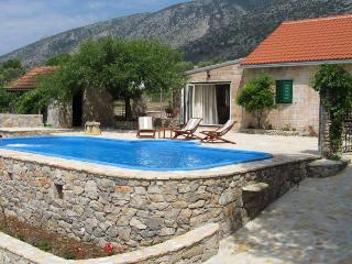 VILLA GOLDIE - Bol vacation rentals