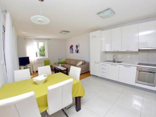 Lila apartment 3 - Zadar vacation rentals