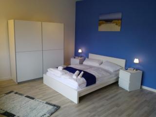 Blau Apartment - Berlin vacation rentals
