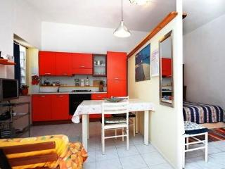 Sunny 1 bedroom Sant Antioco Townhouse with Internet Access - Sant Antioco vacation rentals