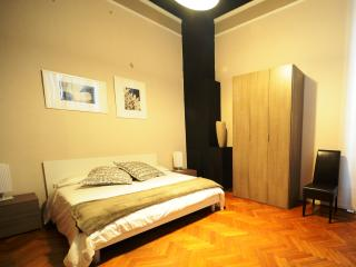 Romantic 1 bedroom Bed and Breakfast in Brescia with Internet Access - Brescia vacation rentals