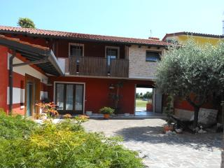 Comfortable Bed and Breakfast with Internet Access and A/C - Romano d'Ezzelino vacation rentals