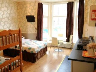 Nice Condo with Short Breaks Allowed and Kettle - Blackpool vacation rentals