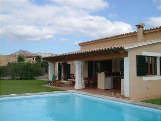 SILVIAS COTTAGE - Pollenca vacation rentals