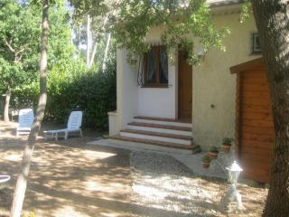 Cozy 2 bedroom House in Gareoult - Gareoult vacation rentals