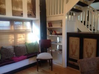 Cozy 2 bedroom Multyfarnham Lodge with Deck - Multyfarnham vacation rentals