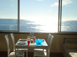 Bandol, Vue Mer Incroyable à 180°,Pour 5 Personnes - Bandol vacation rentals
