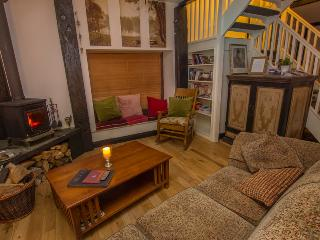 2 bedroom Lodge with Deck in Multyfarnham - Multyfarnham vacation rentals