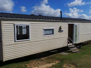 3 bedroom Caravan/mobile home with Swing Set in Bolingey - Bolingey vacation rentals