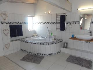 Beautiful 3 bedroom Swakopmund Condo with Parking Space - Swakopmund vacation rentals