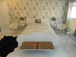 Boutique Beach Bedrooms 1 or 2 - Whitstable vacation rentals