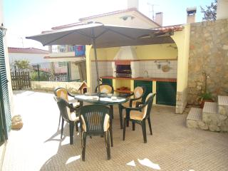 Sunny House in Ericeira with Linens Provided, sleeps 6 - Ericeira vacation rentals