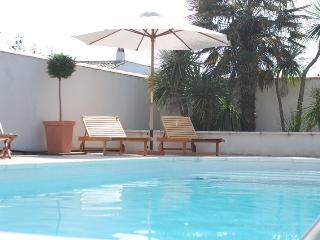 Nice Condo with Internet Access and Satellite Or Cable TV - Clement des Baleines vacation rentals