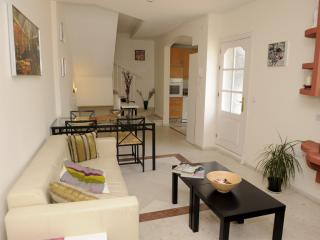 CENTRAL 3 BEDROOMS DUPLEX WIFI - Seville vacation rentals