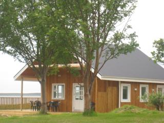 Beautiful 3 bedroom Guest house in Siglufjordur with Deck - Siglufjordur vacation rentals