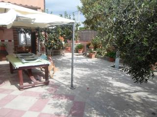 Bright 2 bedroom Rilievo Villa with Short Breaks Allowed - Rilievo vacation rentals