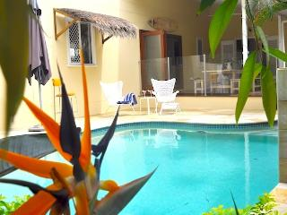 Charming House with Internet Access and Dishwasher - Broadbeach vacation rentals