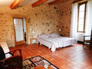 1 bedroom Gite with Internet Access in Biron - Biron vacation rentals