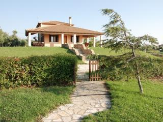 Beautiful 4 bedroom Leventochori Villa with Internet Access - Leventochori vacation rentals
