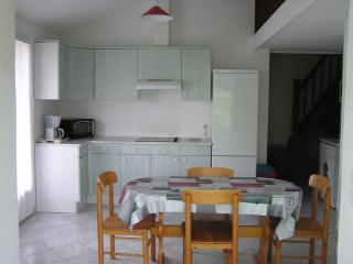 Cozy 2 bedroom House in Valras-Plage with Freezer - Valras-Plage vacation rentals