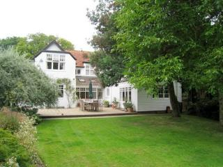 Lovely 5 bedroom Bembridge House with Internet Access - Bembridge vacation rentals